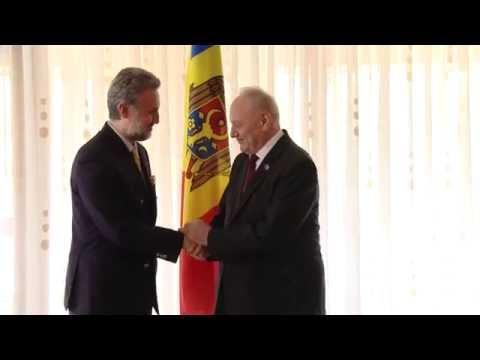 Moldovan president meets Romanian envoy