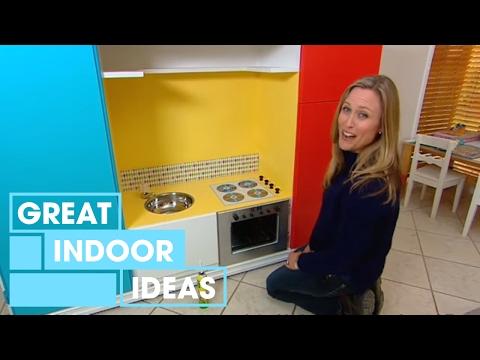 這個媽媽把舊電視櫃倒放在地上後坐進去,接著下一個動作就讓大家都覺得她的想法超天才的!
