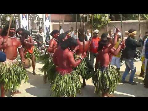 Video Sambalpuri folk dance Adivasi dance at Rusuda .  best performed by kusmel villagers... ଆଦିବାସୀ ନୃତ୍ୟ download in MP3, 3GP, MP4, WEBM, AVI, FLV January 2017