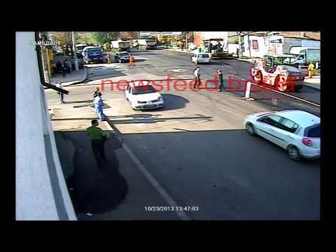 Guarda de trânsito é atacado por touro furioso