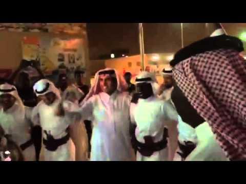 """#فيديو.. #وزير_التعليم يشارك طلاب #نجران بـ """"الرازف"""""""
