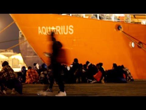 Στα άκρα Ιταλία-Μάλτα για πλοίο με 629 μετανάστες