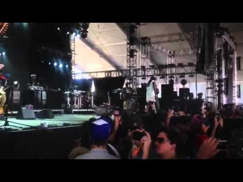 2 CHAINZ PERFORMS AT COACHELLA 2013! [RAW CELL PHONE FOOTAGE]