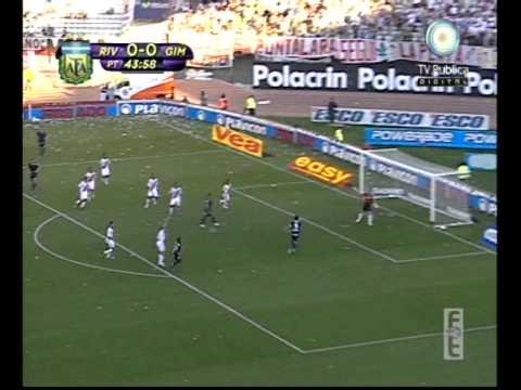 River Plate ante Gimnasia y Esgrima La Plata (2010)