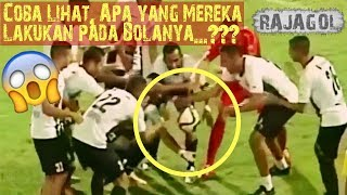Video 15 Kejadian Supranatural dalam Sepak Bola paling Nyata di Dunia MP3, 3GP, MP4, WEBM, AVI, FLV April 2018