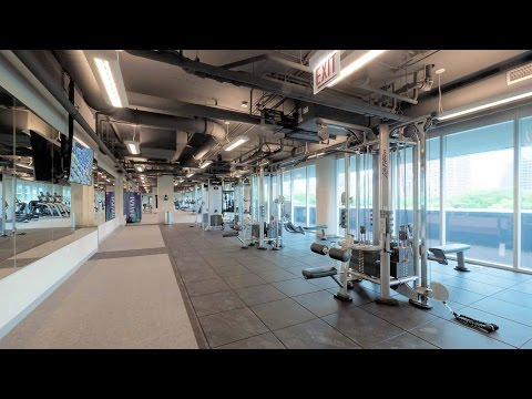 The club-quality fitness center at 1000 South Clark apartments