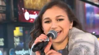 Daya performs