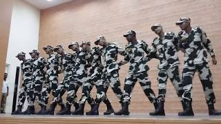 INDIAN BSF DANCE IN DELHI BY ALIUR RAHAMAN AND HIS FRIENDS