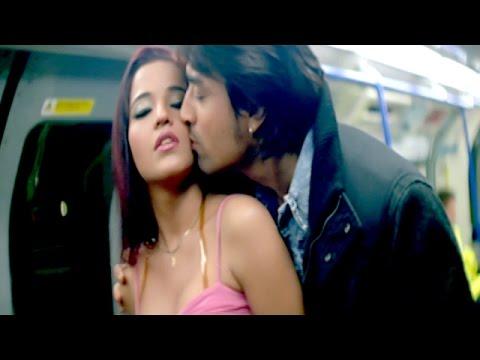 Video HD हॉट सीन || Hot Scene || Couple Caught In Metro ॥ Monalisa || Bhojpuri Hot Uncut Scene download in MP3, 3GP, MP4, WEBM, AVI, FLV January 2017