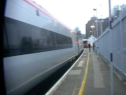 66 847 with extra Pendolino coaches at Maidstone East