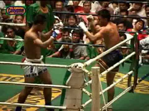 Muay Thai(Phichi) vs. Myanmar Lethwei(Saw Shark), part 1