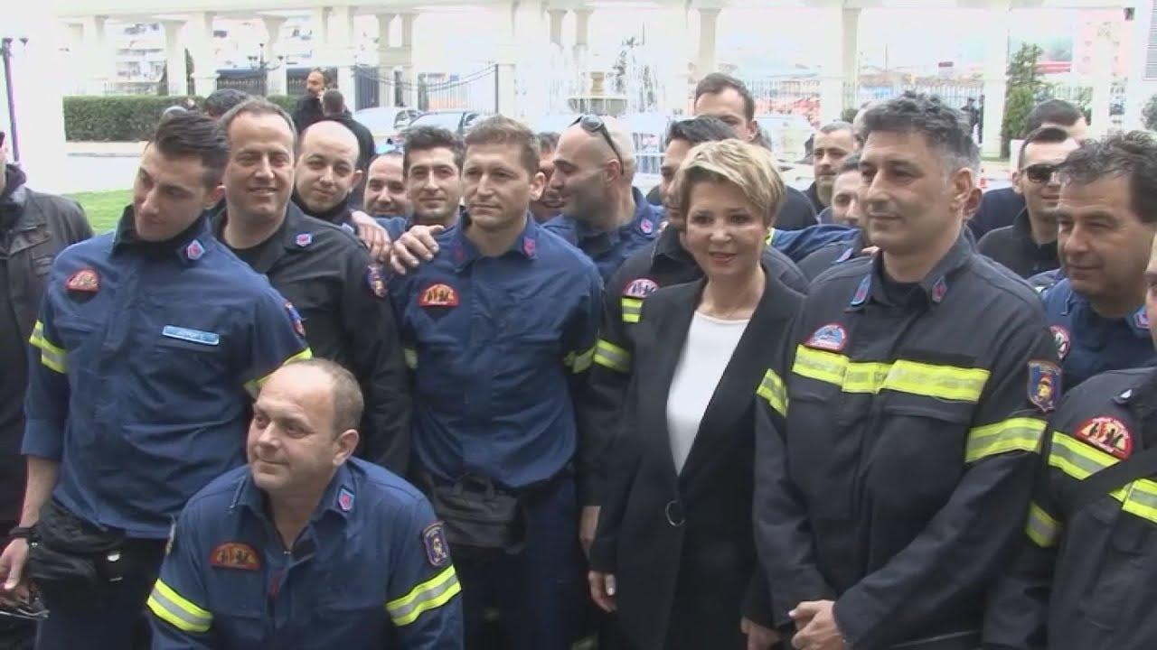Συναντηση πυροσβεστών με την υπουργό Διοικητικής Ανασυγκρότησης Γεροβασίλη. AΠΕ-ΜΠΕ/  Αγγελάκης Γ.