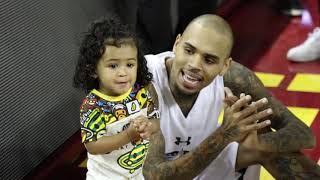 Video Chris Brown Practices Some Dance Moves with Daughter Royalty at Power 106 All-Star Game MP3, 3GP, MP4, WEBM, AVI, FLV Juli 2018