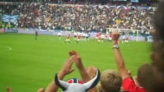 John Arne Riise trifft gegen Schottland (aus der Fan-Perspektive)