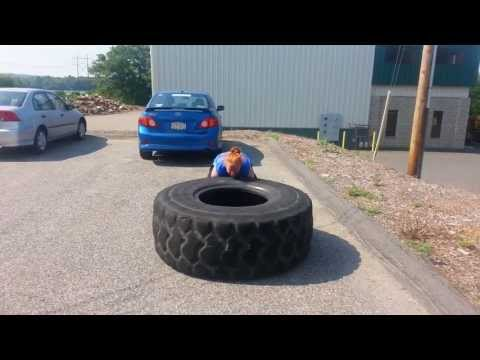 Katie Polselli - Flipping the 450lb Tire! (Softball Conditioning)