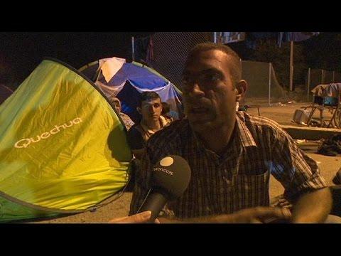 Ουγγαρία: Εγκαταλείπουν τα μεθοριακά περάσματα οι πρόσφυγες