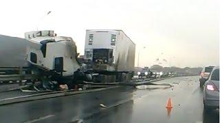 Подборка аварий фур, грузовиков Декабрь 2014 ч 3