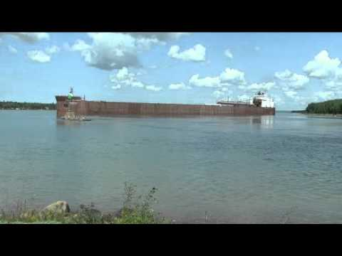 ship runs aground - The ship measures 1013 feet, 6 inches and holds several records in cargo loads.