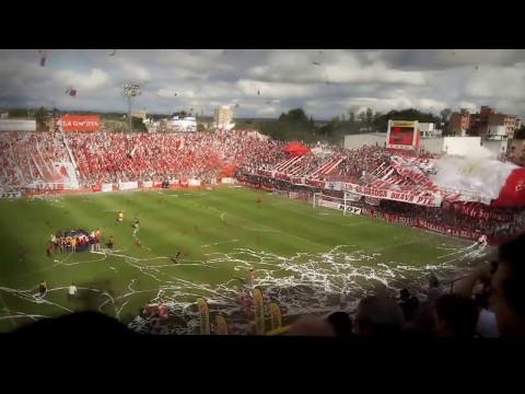 Gigante por su gente - Hinchada de san martin despues de perder 4 partidos seguidos - La Banda del Camion - San Martín de Tucumán