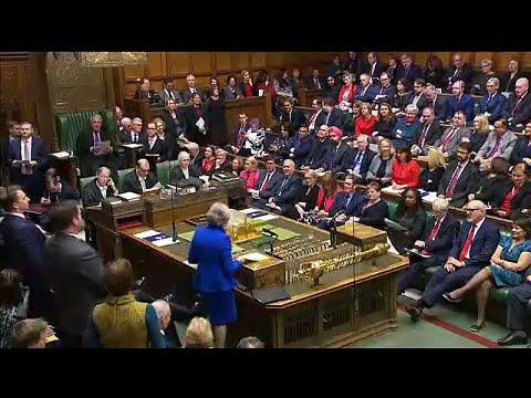 Brexit: Εντείνει τις πιέσεις η Μέι στους βουλευτές
