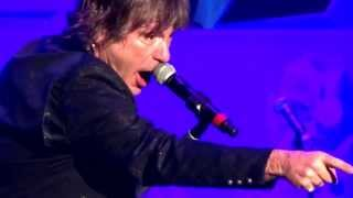 IRON MAIDEN - 2 Minutes To Midnight Bruce Stops Show! Hey Fat Boy! Mandalay Bay Las Vegas 9-12-2013