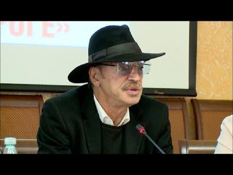 Народного артиста Михаила Боярского доставили в региональное управление полиции