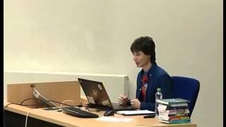 Foto z akcie Barcamp prednáša Michal Šimon.