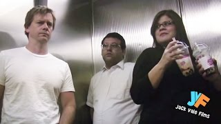 Video Farting In An Elevator 4 MP3, 3GP, MP4, WEBM, AVI, FLV Maret 2019