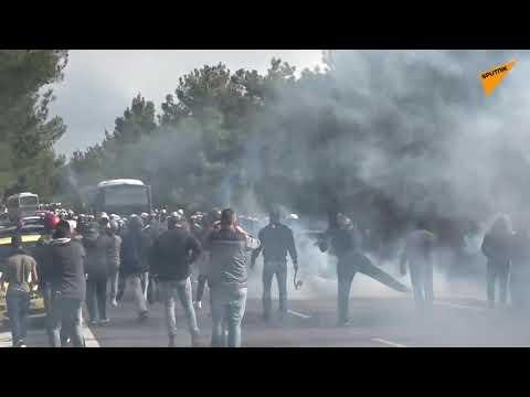 Video - Μυτιλήνη: Νέες συγκρούσεις πολιτών με την αστυνομία