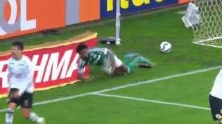 Palmeiras 2 x 0 Figueirense Depois de três jogos sem vencer no Brasileirão, o Palmeiras fez as pazes com a vitória na noite...
