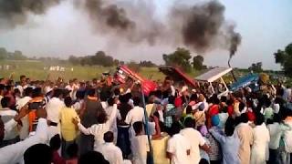 tractor tochan swaraj 735 vs 4*4