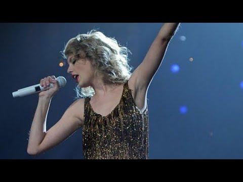 "Taylor Swift - ""Sparks Fly"" (Speak Now World Tour)"