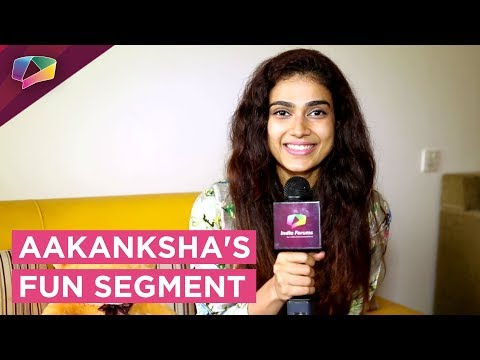Aakanksha Singh Takes Up Our Aagey Kua Piche Khai
