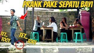 Video PAKE SEPATU BAYI DITEMPAT UMUM / Squeaky Shoes Prank Indonesia MP3, 3GP, MP4, WEBM, AVI, FLV Februari 2019