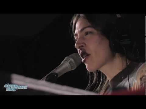 Chairlift - 'Amanaemonesia' (Remastered, Live at WFUV)