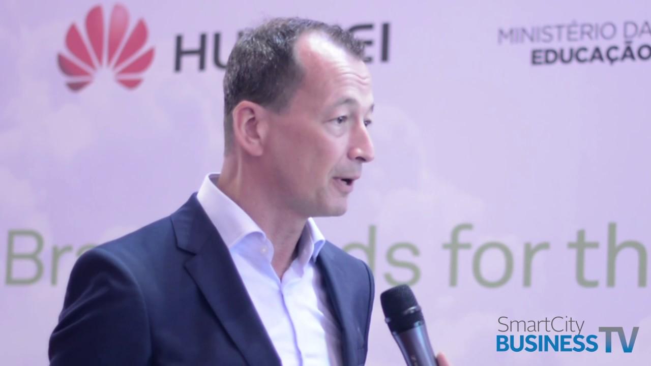 Edwin Diender explica as estratégias da chegada da Huawei em novos países | TV Smart City Business
