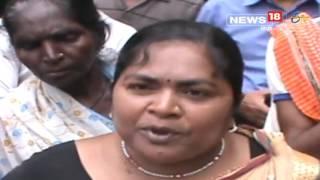 पटना नगर निगम कार्यालय परिसर में आज चतुथर्वर्गीय कर्मचारियों ने अपने एक साथी की बिमारी से हुई मौत के बाद लाश को सामने रखकर जम के हंगामा प्रदर्शन किया. कर्मचारियों का आरोप है की पिछले पांच महीनों से उन्हें वेतन नहीं मिला है. जिसके वजह से उन्हें काफी परेशानियों का सामना करना पड़ रहा है. मृतक महिला कर्मचारी कांति देवी अपने हक़ के पैसो के लिए निगम के चक्कर लगाती रह गई लेकिन उन्हें वेतन नहीं मिला. आखिरकार लंबी बिमारी के बाद उनकी मौत हो गई.