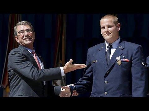 Μαχαίρωσαν τον Αμερικανό πεζοναύτη που είχε αφοπλίσει τζιχαντιστή στην Γαλλία