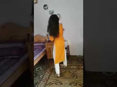 Pakistani hot girl dance on pashto song