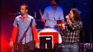 Eddie Vedder  with Ben Harper - UNDER PRESSURE