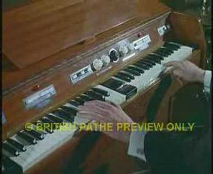 Mellotron - Good old Mellotron demonstration for home use.
