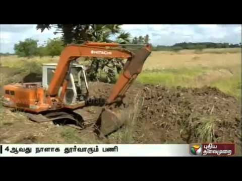 Desilting-of-irrigational-canal-at-Moganoor-Nagapattinam-for-4th-day-organised