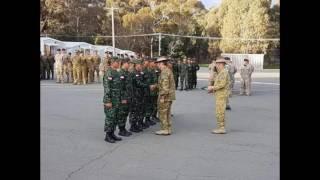"""Tentara Nasional Indonesia Angkatan Darat (TNI AD), kembali menorehkan prestasi gemilang di pentas internasional dengan menjadi Juara Umum dalam lomba tembak bergengsi antar Angkatan Darat dari 20 negara.Kegiatan ini diselenggarakan oleh Angkatan Darat Australia (Royal Australian Army) yang bertajuk Australian Army Skill at Arms Meeting (AASAM) berlangsung pada tanggal 5 s.d. 26 Mei 2017, di Puckapunyal Military Range, Victoria, Australia.TNI AD keluar sebagai juara umum AASAM tahun 2017 setelah meraih 28 medali emas, 6 perak dan 5 perunggu di berbagai materi lomba tembak yang diperebutkan.Negara-negara yang ikut berpartisipasi pada lomba tembak internasional tahunan ini antara Indonesia, Australia, Jepang, Uni Emirat Arab, Anzac, Fillipina, US Army, Inggris, Canada, Malaysia, Thailand, US Marines, Korea Selatan, Singapura, New Zealand, Kamboja, Timor Leste, Tonga, PNG dan Perancis.Kontingen TNI AD berjumlah 14 orang, 4 official dan 10 petembak pada AASAM 2017 ini dipimpin oleh Letnan Kolonel Inf Josep T. Sidabutar yang sehari-hari menjabat Kepala Staf Brigif Para Raider 17 Kostrad.""""Selama berpartisipasi pada Lomba Tembak AASAM, TNI AD senantiasa menjadi juara umum sejak pertandingan di Puckapunyal 2008, dengan menggunakan senjata jenis SS-2 V4 buatan PT Pindad yang merupakan senjata organik pasukan Kostrad,"""" ujar Letnan Kolonel Inf Josep T. Sidabutar.Rencana kedatangan tim kontingen TNI AD dari Australia ke tanah air dilaksanakan pada hari Minggu, tanggal 28 Mei 2017 dengan menggunakan maskapai Garuda Indonesia"""