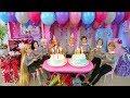Twin Barbie n Ken's Birthday Party with Friends! Pesta ulang tahun Barbie Festa de aniversário