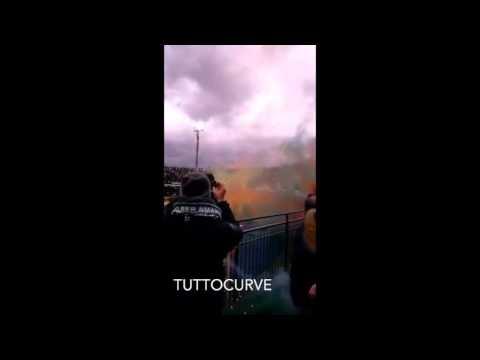 Coreografia ultras Avellino in curva Sud