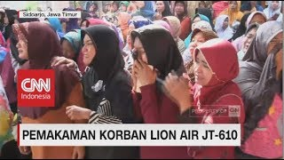 Video Tangis Keluarga & Tentangga Sambut Kedatangan Jenazah Korban Lion Air MP3, 3GP, MP4, WEBM, AVI, FLV November 2018