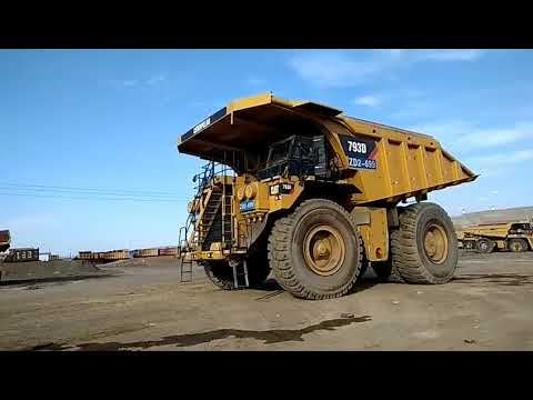 CATERPILLAR OFF HIGHWAY TRUCKS 793D equipment video ysuSBRenZAs