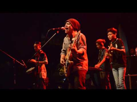 Download Video Live Debu Jalanan Reggae @parkir Timur Delta Plaza Surabaya