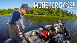 Video The BIGGEST Bass I've EVER Seen | Lake Fork, Texas Bass Fishing MP3, 3GP, MP4, WEBM, AVI, FLV Agustus 2018