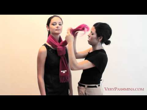 How to Tie a scarf - Women